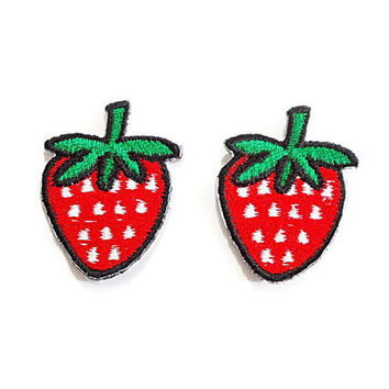 Set 2pcs. Strawberry Patch - Mini Cute Red Strawberry Fruit New Iron Embroidered Applique Size 2.5cm.x3.2cm.