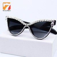 Cute Sexy Women Cat Eye Sunglasses Vintage Brand Designer Crystal Diamond Frame Glasses Gradient Sun Glasses For Female UV400