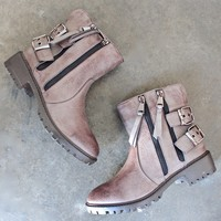 hunter's game biker boots in taupe