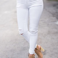 View From Hollywood Lightly Distressed Kancan Jeans (White)