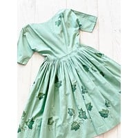 Green 50s Dress With Leaves