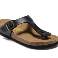Men's and Women's BIRKENSTOCK sandals  Gizeh Birko-Flor Patent 632632288-029