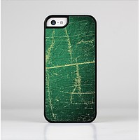The Grungy Green Surface Design Skin-Sert for the Apple iPhone 5c Skin-Sert Case