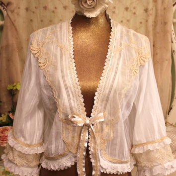 M White Lace Top  20s Vintage Lace Collar Jacket  French Shabby Clothes  Romantic Bohemian Bolero  Bridal Lace Art to Wear  By SownThreads