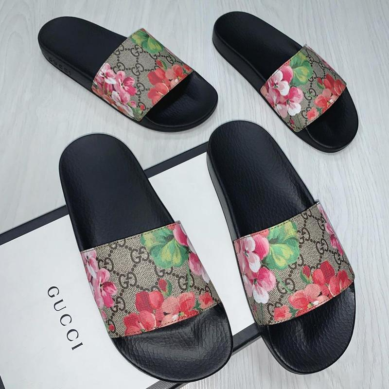 Image of GUCCI Women's classic GG sandals