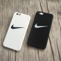 Trendy Nike Hook Print In Black & White Iphone7 7Plus &6 6s Plus Cover Case