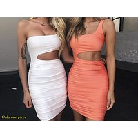 Sexy Night Shop Buttock Dresses with New Single Shoulder Dresses