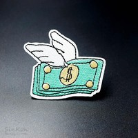 Flying Money 5.5x6.5cm Iron On Patches Sewing On Embroidered Applique Fabric Patch for Jacket Badge Patches Clothes Stickers