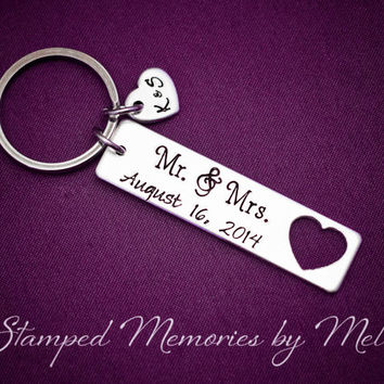 Mr. & Mrs. - Hand Stamped Aluminum Personalized Key Chain - Anniversary Keychain - Initials and Wedding Date - Heart Couple Initial Keyring