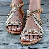 Fashion Hot Selling Flat Bottom Hollow Hand-made Casual Sandals