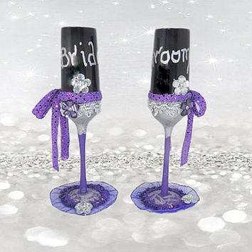 Hand Painted Wedding Glasses - Purple Wedding Decor - Wine Glasses - Wedding Toasting Flutes - Champagne Glasses - Bride And Groom Gift