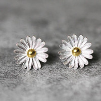 Sunflower Earrings, Sterling Silver Sunflower Stud Earrings, Sun flower earrings studs, summer earrings, Sunflower Jewelry, gifts for her