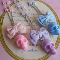 Pastel Goth mini bow with stars and Big skull necklace Fairy kei