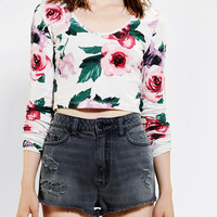 Urban Outfitters - Truly Madly Deeply Floral Cropped Top
