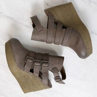Final Sale - Sbicca - Gomez Women's Ankle Bootie in Taupe