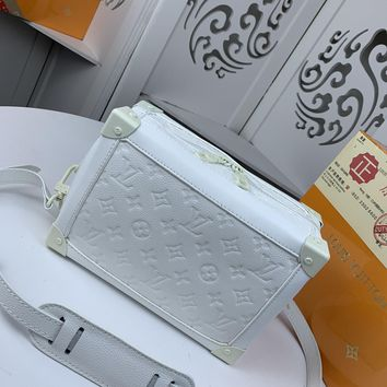 Kuyou Gb22991 Louis Vuitton Lv M44478 White Monogram Other Show Ss19 All Collections Soft Trunk 25x18x10cm