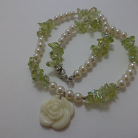 Beautiful, Pearl, Green, Chipped Glass, White, Rose, Glass Bead, Pin Up Girl, Necklace