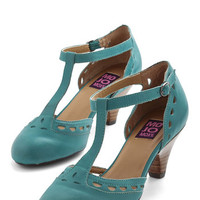 ModCloth Vintage Inspired Elegance in its Prim Heel in Turquoise