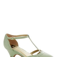 BC Shoes Just Prance Heel in Honeydew | Mod Retro Vintage Heels | ModCloth.com