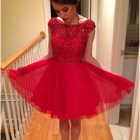 Red Tulle Scoop Neck Short Homecoming Dress