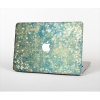"""The Unfocused Green & White Drop Surface Skin Set for the Apple MacBook Air 11"""""""