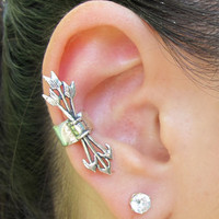Silver Quiver and Arrows Ear Cuff