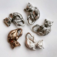 Silver cat necklace playing kitten