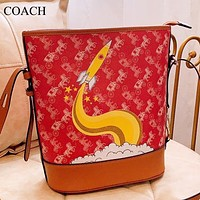 COACH Fashion New Horse Cat Leather Shoulder Bag Bucket Bag Women