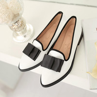 South Korea sweet dating style sexy pointed toe paint loafers fashion color matching bowtie slip flat women's shoes big size