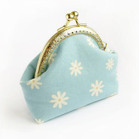 Light Blue Floral Coin Purse, White Flowers Change Pouch, Daisy Cotton Fabric Wallet with Kisslock