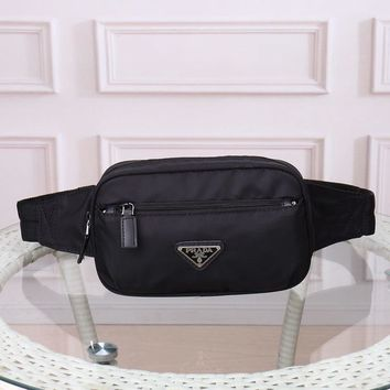 9.2 [modern] the new original prada men's shoulder bag is made of waterproof material, waist and chest bag.
