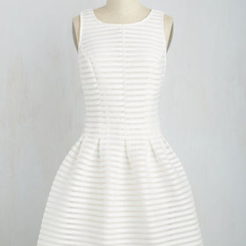 Mid-length Sleeveless Fit & Flare Oh My Darlington Dress in White