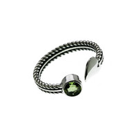 Eco Sterling Silver And Peridot Fleur Ring