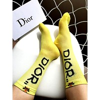 Dior 2019 new female models translucent gold line letters bee socks yellow