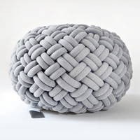 KNOTTY floor cushion (Ø 80 cm, light grey)
