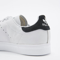 Adidas Stan Smith Trainers in White and Black - Urban Outfitters