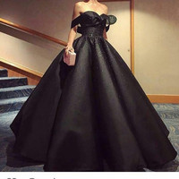 Fashion Black Off the Shoulder Sweetheart Beaded Short Sleeve Ball Gown Puffy Prom Dresses