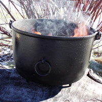 Large Witches Cauldron, Vintage Cauldron, Spellwork, Witches Coven, Witchcraft, Wicca, Pagan