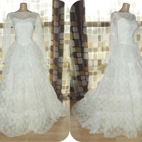Vintage 50s AMAZING Lace & Tulle Tiered Cupcake Wedding Dress Ball Gown LARGE 12/14 Sheer Illusion Long Sleeve Portrait Sweetheart Neckline