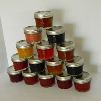 75 Jam or Jelly Wedding Favors - 17 Flavor Choices Custom Made-to-Order with your colors