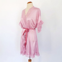 Romance Novel Lingerie Vintage 1970s Short Pink Lace Robe Frilly Dressing Gown 1920s Lingerie Victorian Wedding Night Silky Sexy Robe Medium