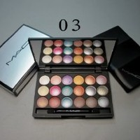 Mac N 3 Professional 18 Color Eyeshadow Palette