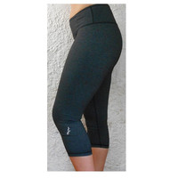 Women's Yoga Capri Pants/ Fitness & Running Leggings Gray Yoga Pants Feel like Cotton but Made w/ Nylon and Spandex. With pocket