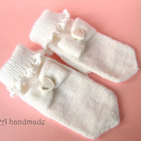 Sweet lolita hand knitted white mittens with bow and handmade heart button