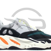 QIYIF YEEZY BOOST 700 - WAVE RUNNER (OG)