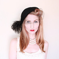 1950s Hat / VINTAGE / 50s Hat / Feathers / Veil / 1920s Style / Flapper / Glam