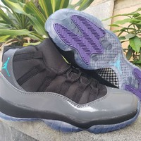 Air Jordan 11 Gray/Black