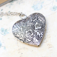 Large Heart Locket Necklace Silver Floral Locket Pendant Vintage Style Picture Locket Romantic Long Necklace Valentines Day