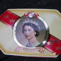 1953 H.M. Queen Elizabeth II Biscuit Tin Made by Harry Vincent LTD.