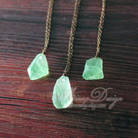 Unique Raw Fluorite Crystal Necklace, Green Fluorite Quartz Crystal Necklace, Rough Natural Gemstone Jewelry, Vintage Style Unique Gift
